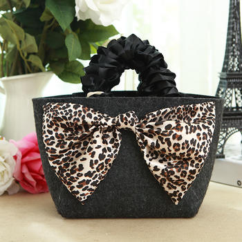 Felt cosmetic bag DHC luxury design  with bowknot