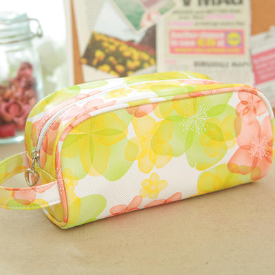 Pvc cosmetic pouch with nylon zipper in full color print